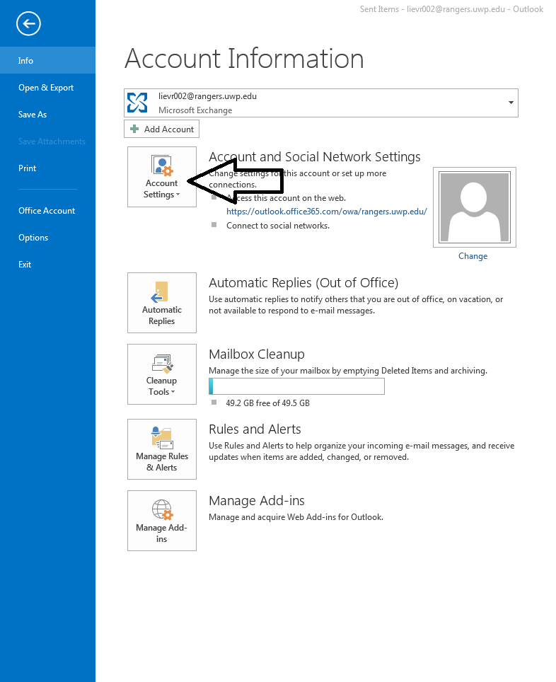 remove windows 10 outlook account